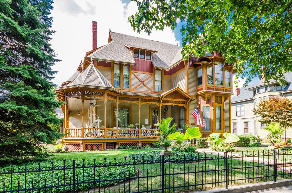 1876 Folk Victorian For Sale In Indianapolis Indiana Folk