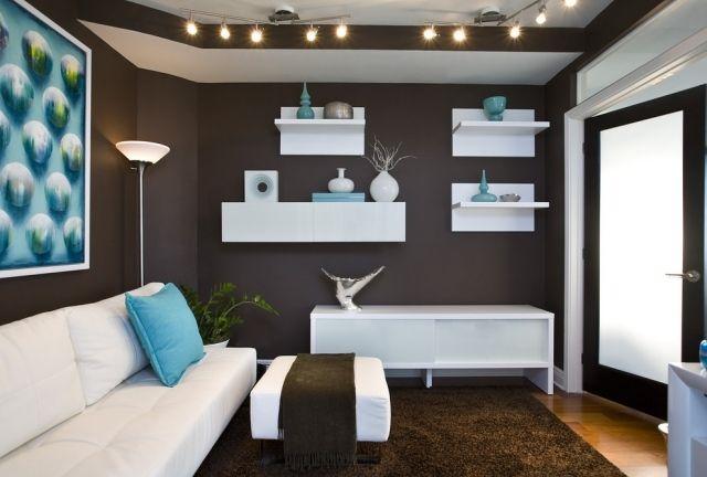 Kleines Wohnzimmer Einrichtung Schokoladenbraun Wandfarbe Weiße Möbel  Hellblaue Akzente