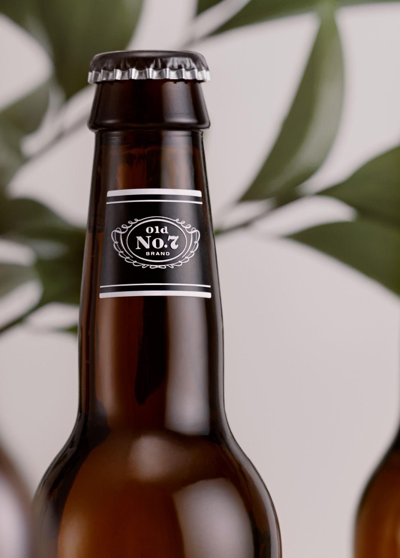 Jack Daniel's / Design / Branding / Tennessee Cider / Orchard / Cider / Hard Cider / Apple / Whiskey / Bottle Neck / Old No.7 / Barrel / Woodcut / Black & White