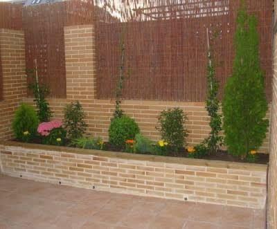 14 Jardineras en pared