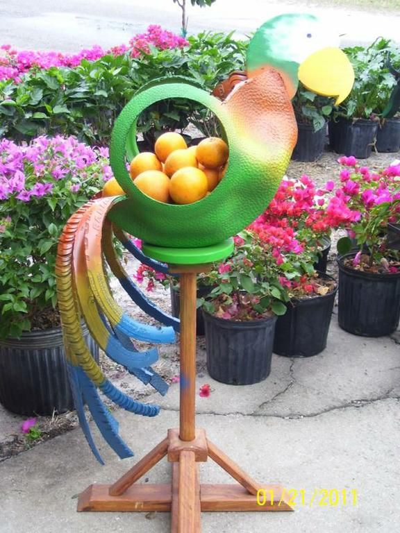 Recycled tires ideas do you need an idea on how to for Recycled flower pots
