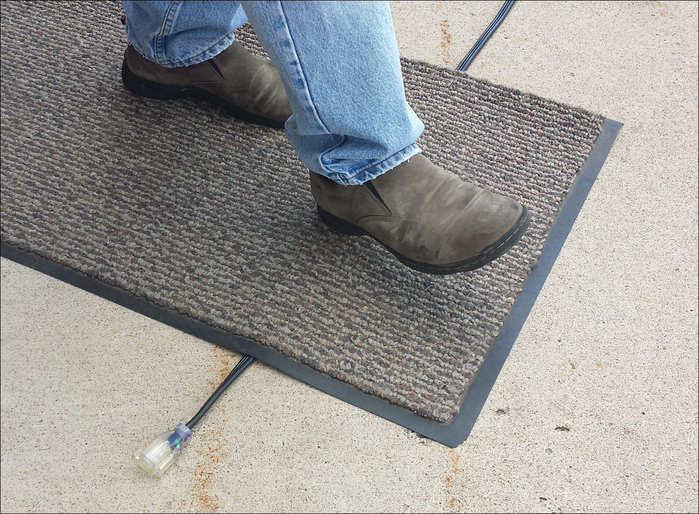 Flat Electrical Cord Under Rug Shapeyourminds Com