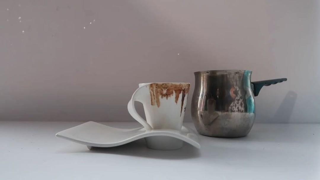 147 Likes 17 Comments Sarah Odeh سارة عوده Sarahodeh Art On Instagram دبي يا محلاها الرسم بالقهوة Mydubai Coffee Art Sugar Bowl Set Bowl Set