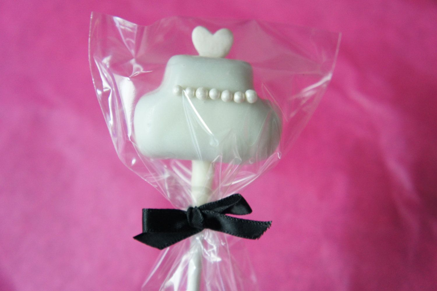 50 Edible Wedding Favors - wedding cake pops | Mrs whooo ...