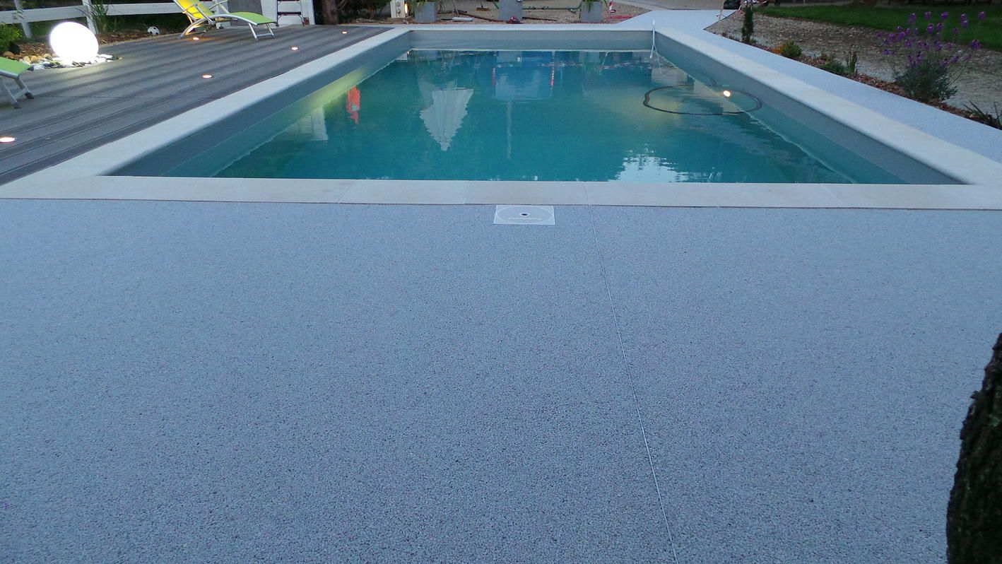 Moquette de pierre revetement terrasse resine 3d Revetement piscine beton cire