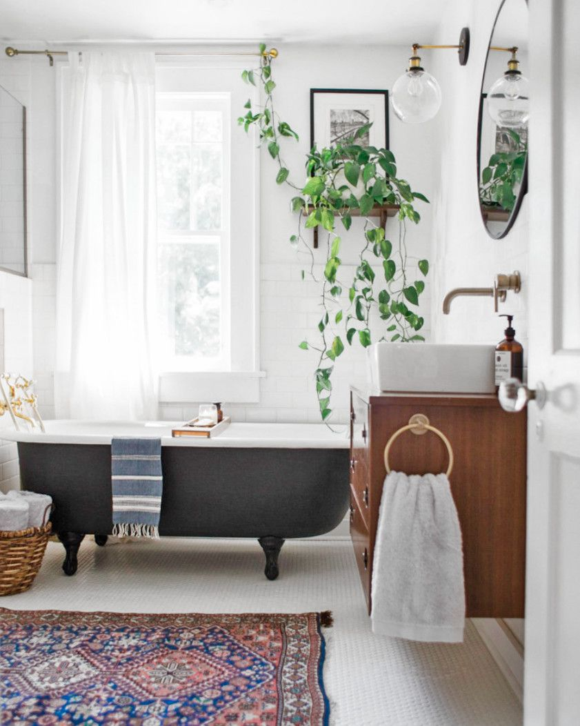This Vintage Eclectic Bathroom By Emily Netz Gets Recreated For Less By Copycatchic Luxe Living For Less Budg Modern Vintage Decor Eclectic Bathroom Home Decor