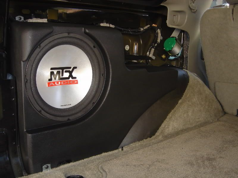 Put Up Your Speaker Box Pix And Custom Install Pix Up Chevy