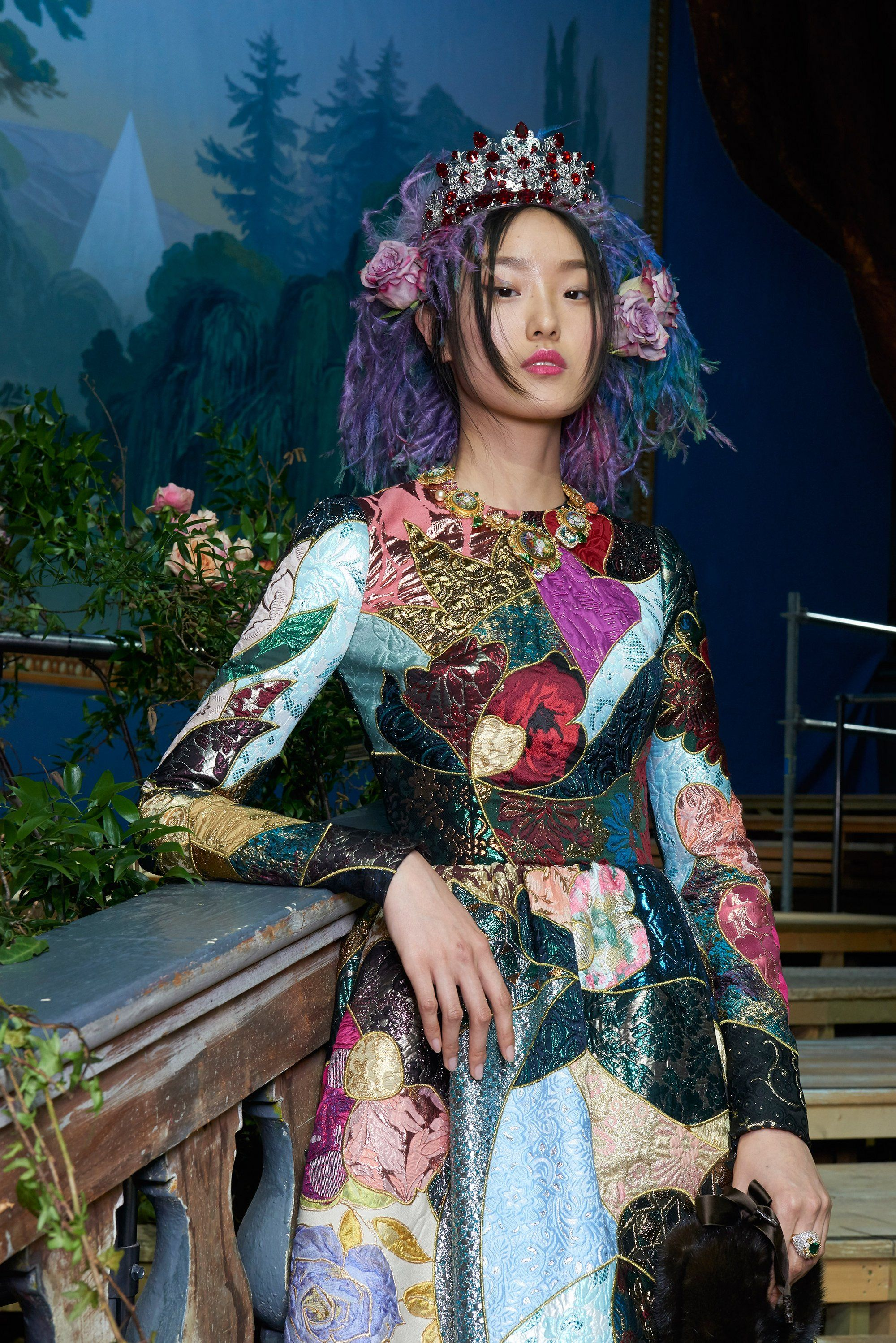 Bravissimo! Dolce & Gabbana Find Inspiration for Their Spring 2017 Alta Moda Show in the Opera