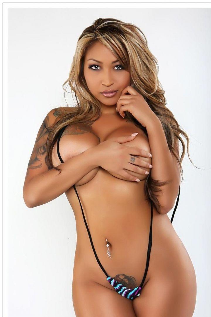 Pussy naked body