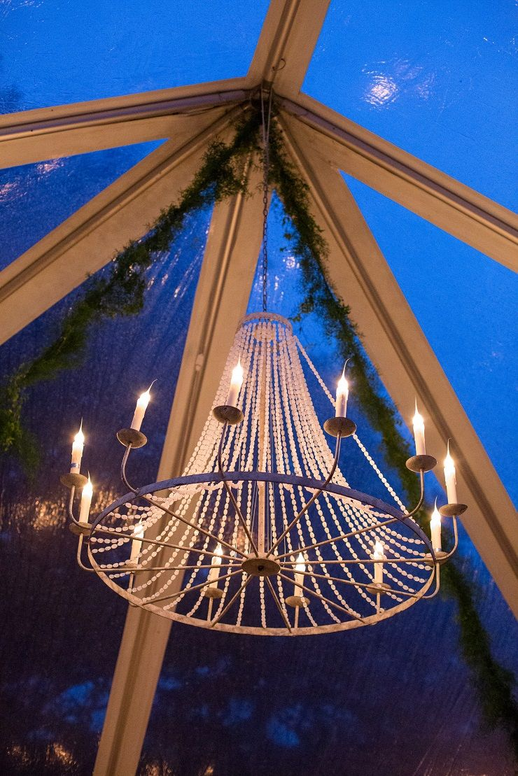 Chandelier wedding decoration | fabmood.com