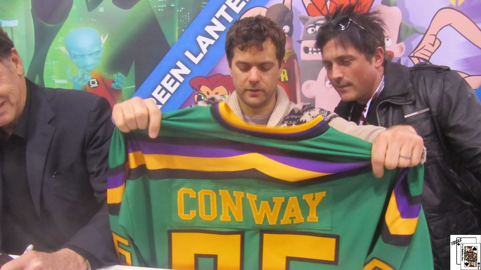 Joshua Jackson - If this deosn t get you wanting Mighty Ducks 4....  jjh bd1ad9a3c