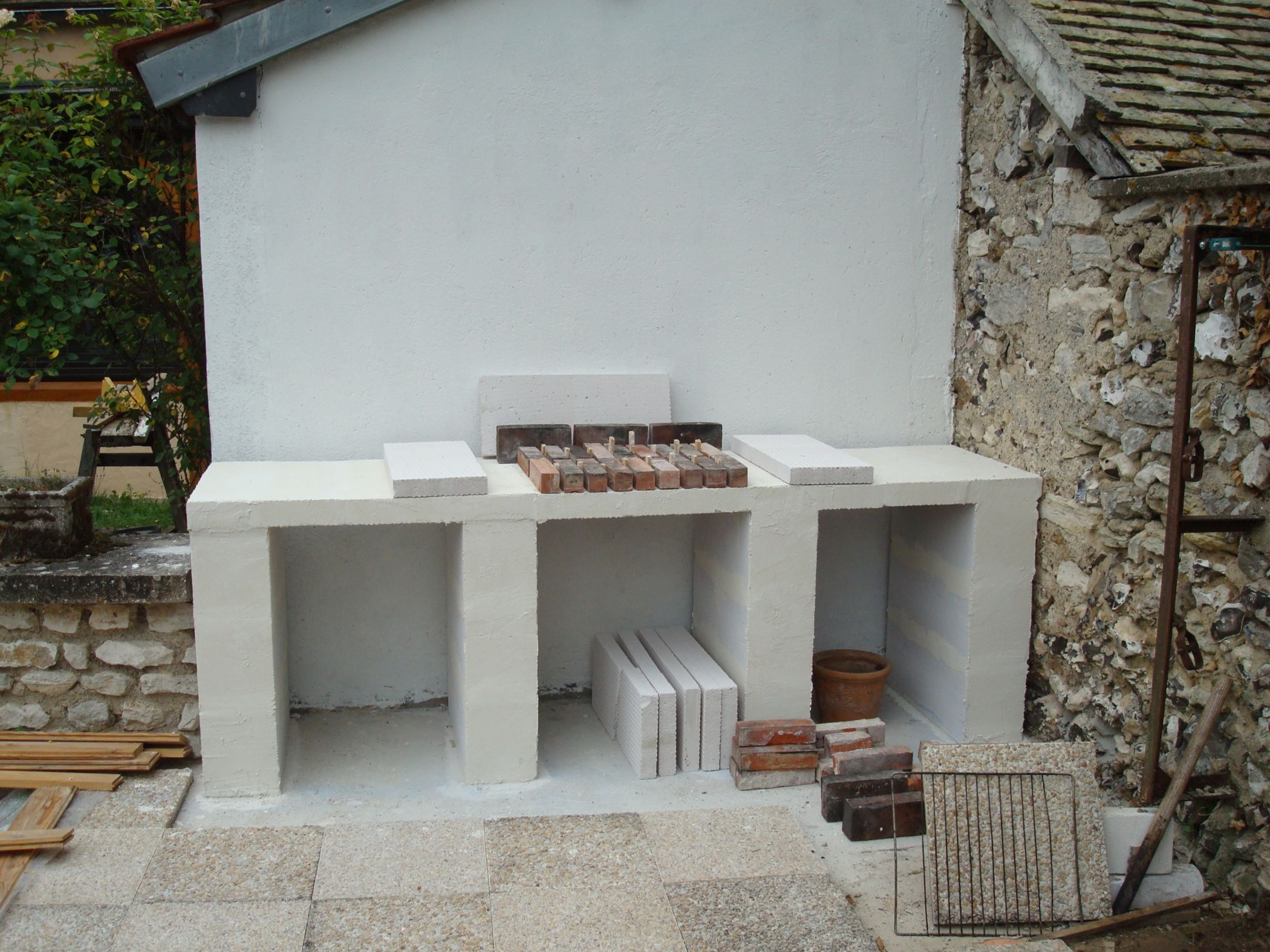 Construction d 39 un barbecue sur mesure barbecue et for Pinterest cuisine de jardin