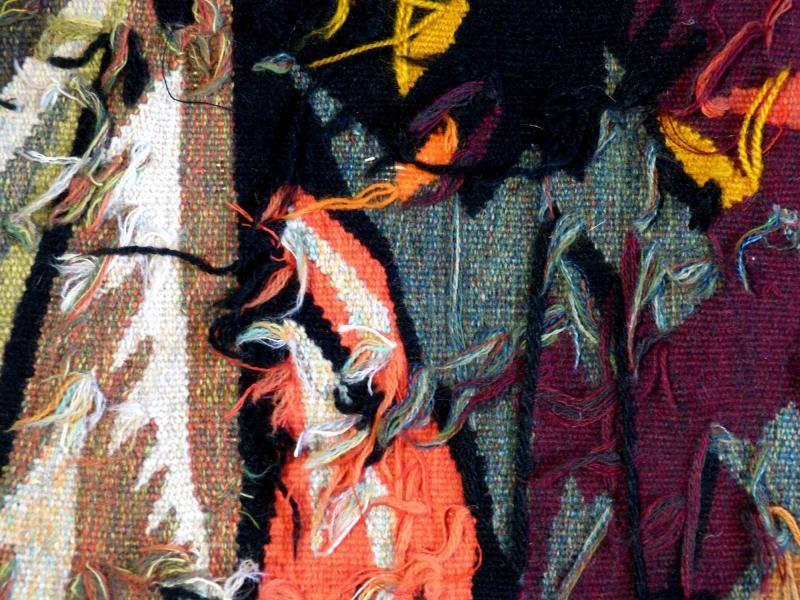 Antiquit tapisserie d 39 aubusson art moderne par jean lur at combat de coqs d tail et zoom sur l - Peut on tapisser sur de la tapisserie ...