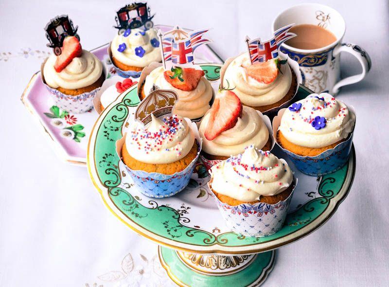 Diamond Jubilee Cupcake Ideas Cupcakes Baking Cupcakes Mini