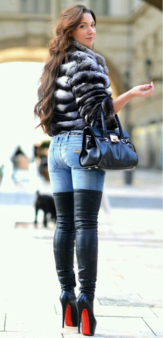 Pin auf Pinterest :Js Babes in Boots 1