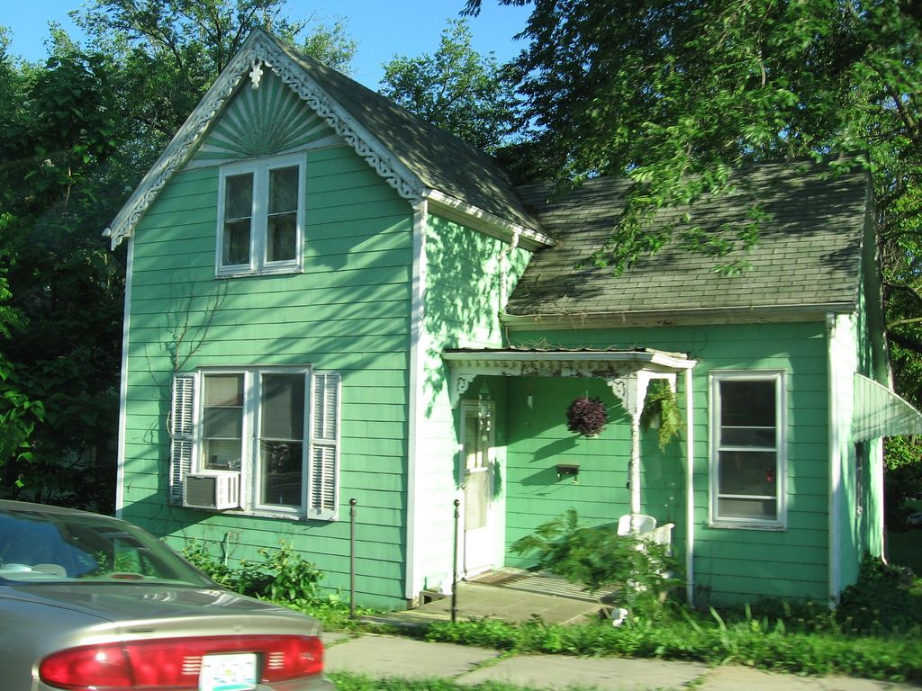 Image result for mint green house paint | Evan house ideas ...