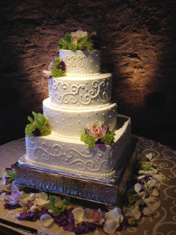 Round & Square Wedding Cake by cakewhiz on Cake Central