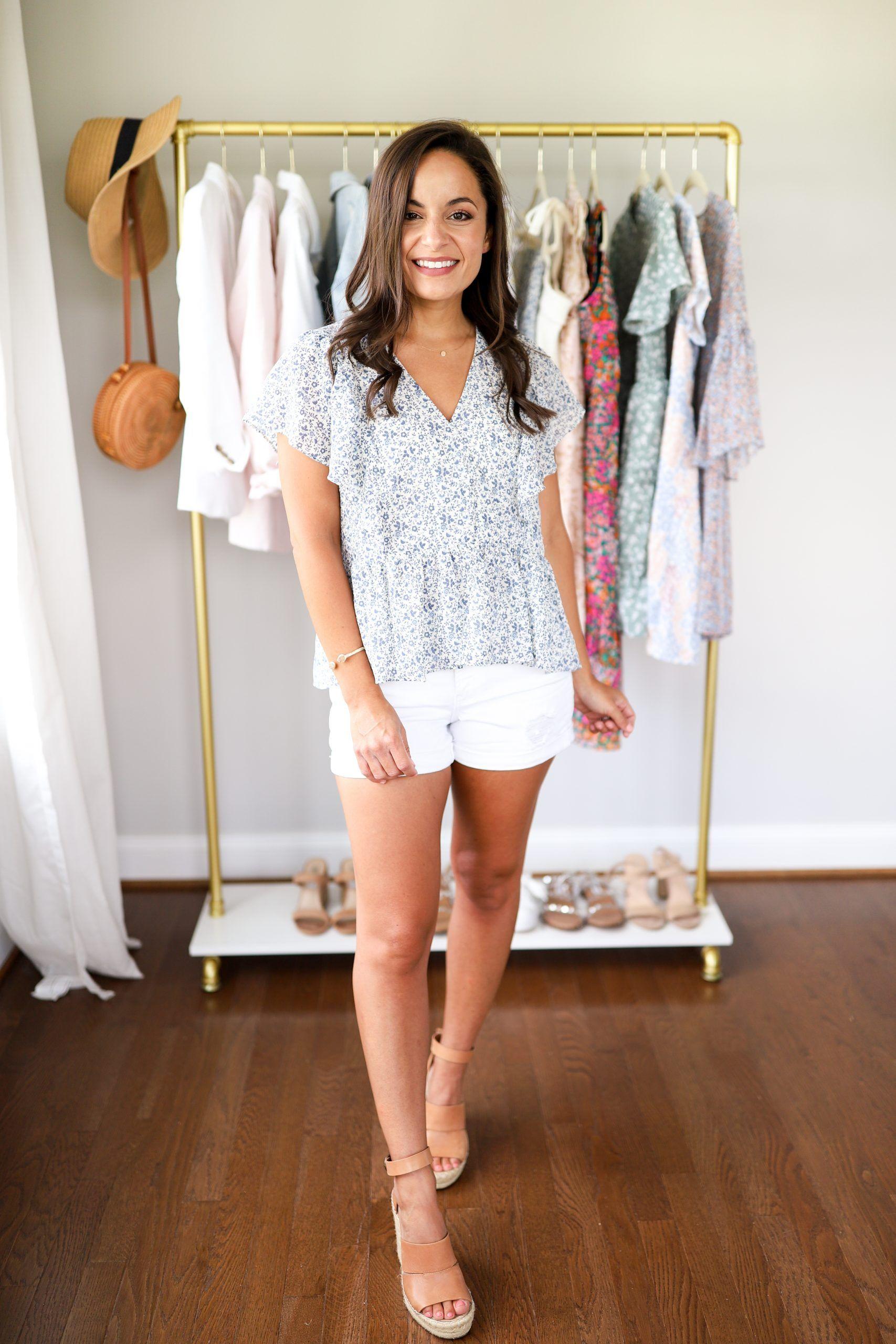 6 Petite Friendly Summer Outfits - Pumps & Push Ups