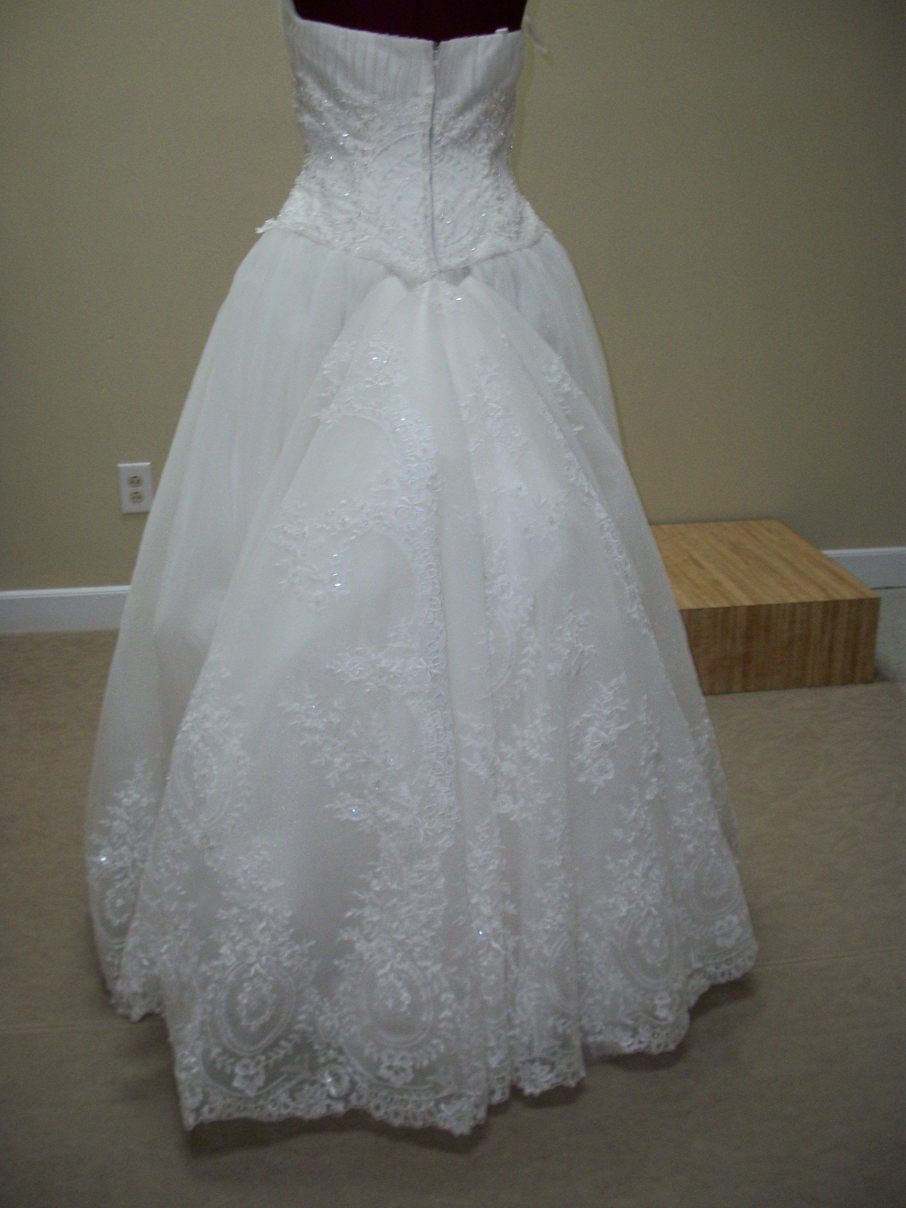 What is a Bustle? BRIDES Diy wedding dress bustle