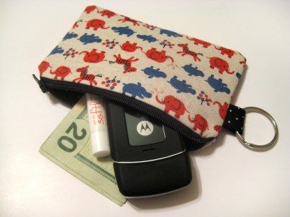 Friday Finds – A list of 30+ free tutorials and patterns for wallets and pouches…