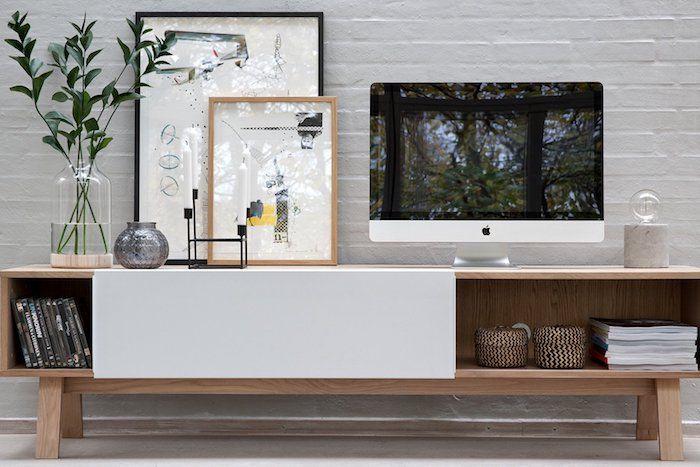 Mit Einem Tv Lowboard Das Wohnzimmer Einrichten Wohnzimmer Einrichten Wohnzimmer Und Lowboard