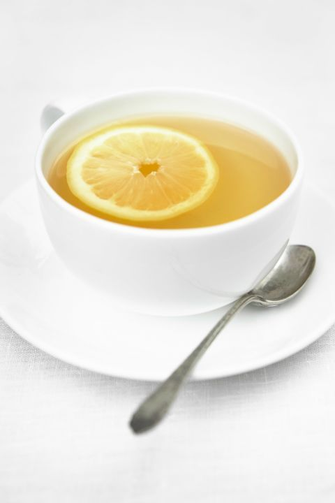 10 secrets to weight loss and healthy eating that all nutritionists tell their friends: have a glass of warm water with lemon as soon as you wake up