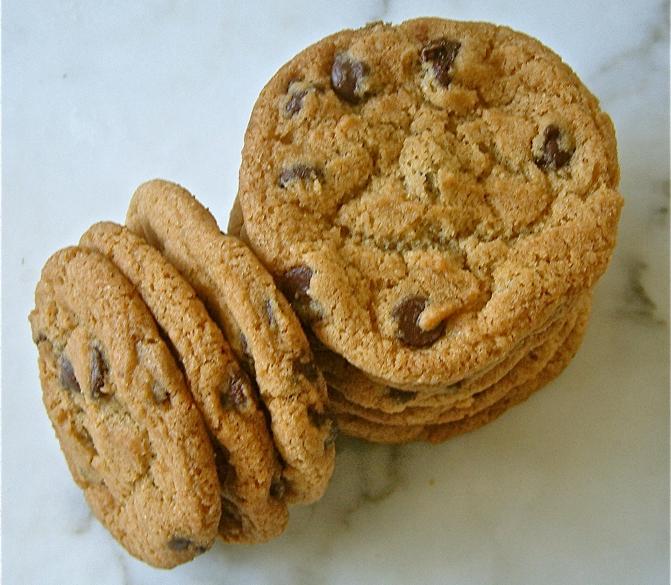 Crispy Chewy (Vegan) Chocolate Chip Cookies