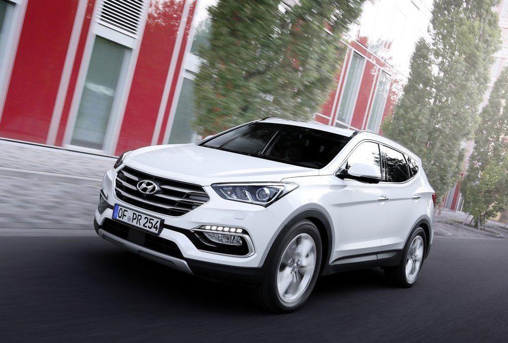 2016 Hyundai Santa Fe front view, exterior, headlights and