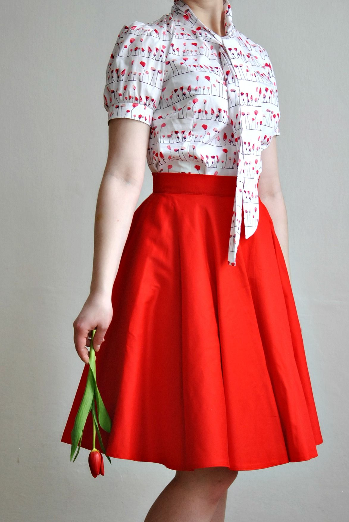 c0b4e53e56d9 Červená+kolová+sukně+Celokolová+sukně. +Zapínání+vzadu+na+zip+a+2+ ...
