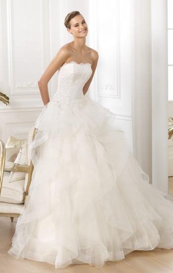 Beautiful Organza & Tulle Floor-Length Strapless Wedding Dress