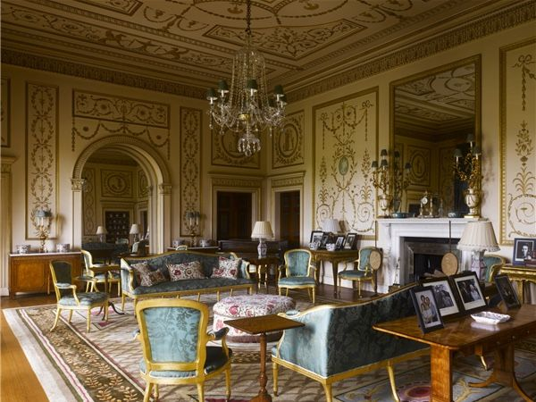 Broadlands drawing room hampshire french interiors for Interior designers hampshire