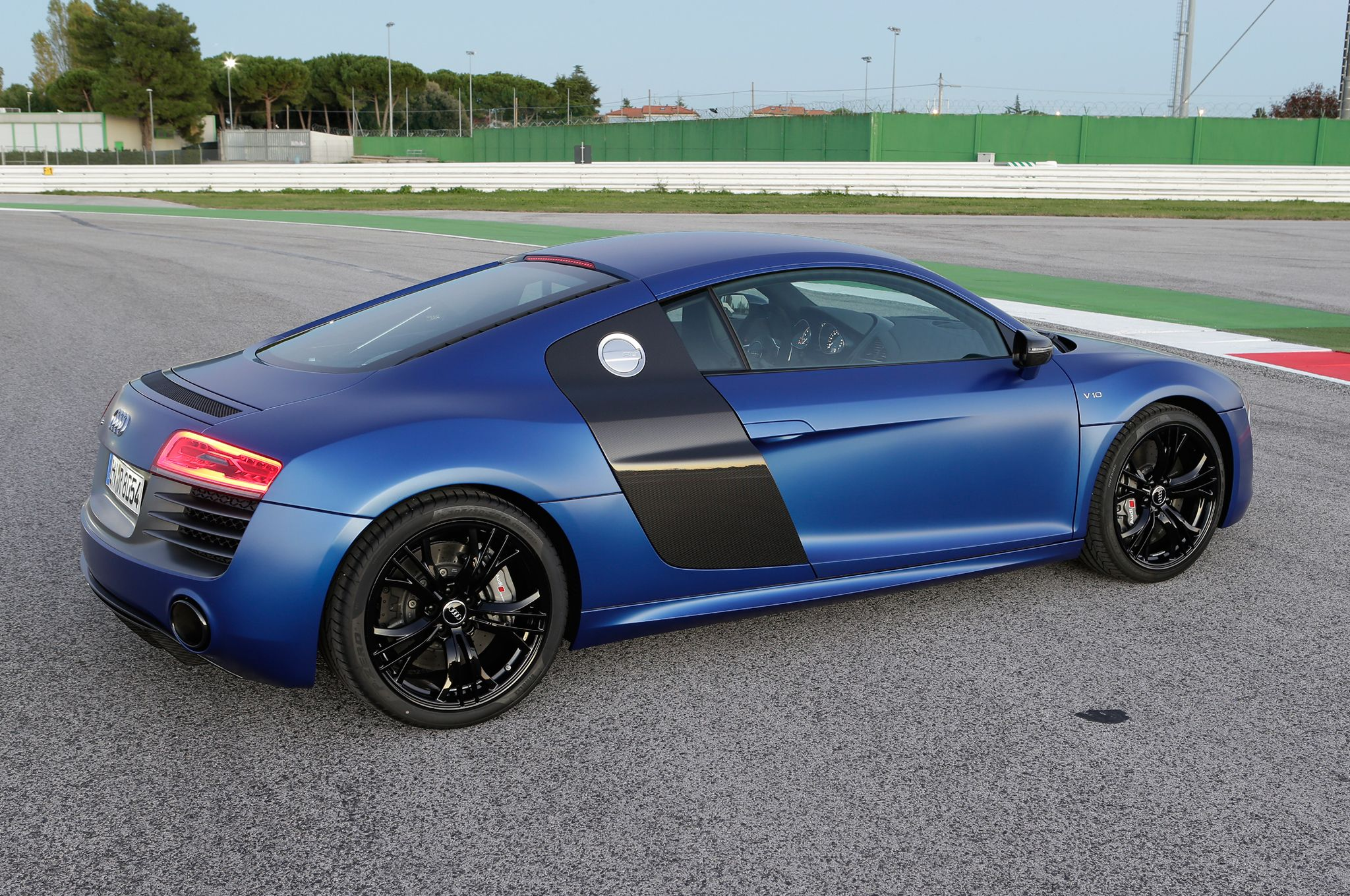 Audi Says Next Gen R8 Will Be Up To 130 Pounds Lighter 2013 L A