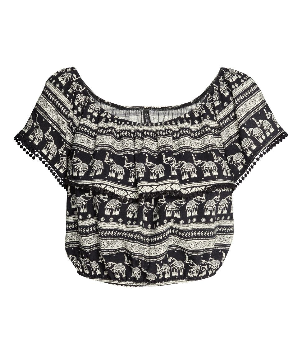 3a236453ef3641 H M LOVES COACHELLA. Short off-the-shoulder blouse