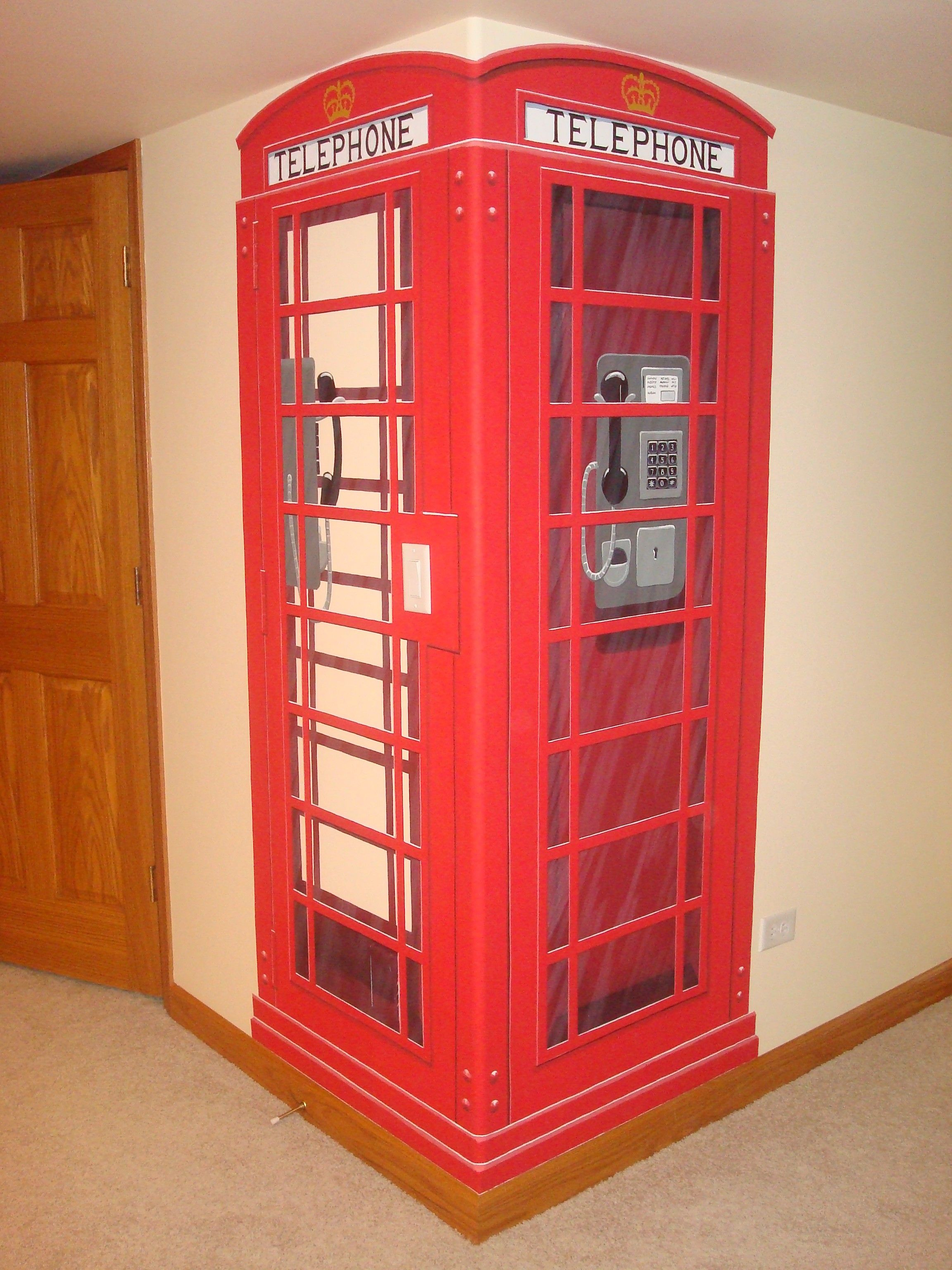 British phone booth mural. How cool is that??? … | Pinteres…