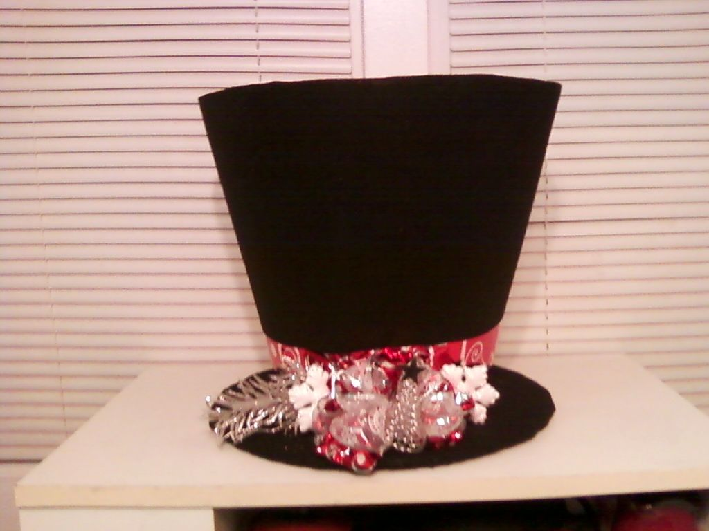 Snowman Hat 17 Made From Dollar Tree Clothes Basket And Stiff Black Felt Snow Proud Of Myself Clothes Basket Snowman Hat Really Cool Stuff