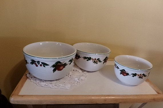 Vintage Stacking bowls Cades Cove Collection by Morethebuckles