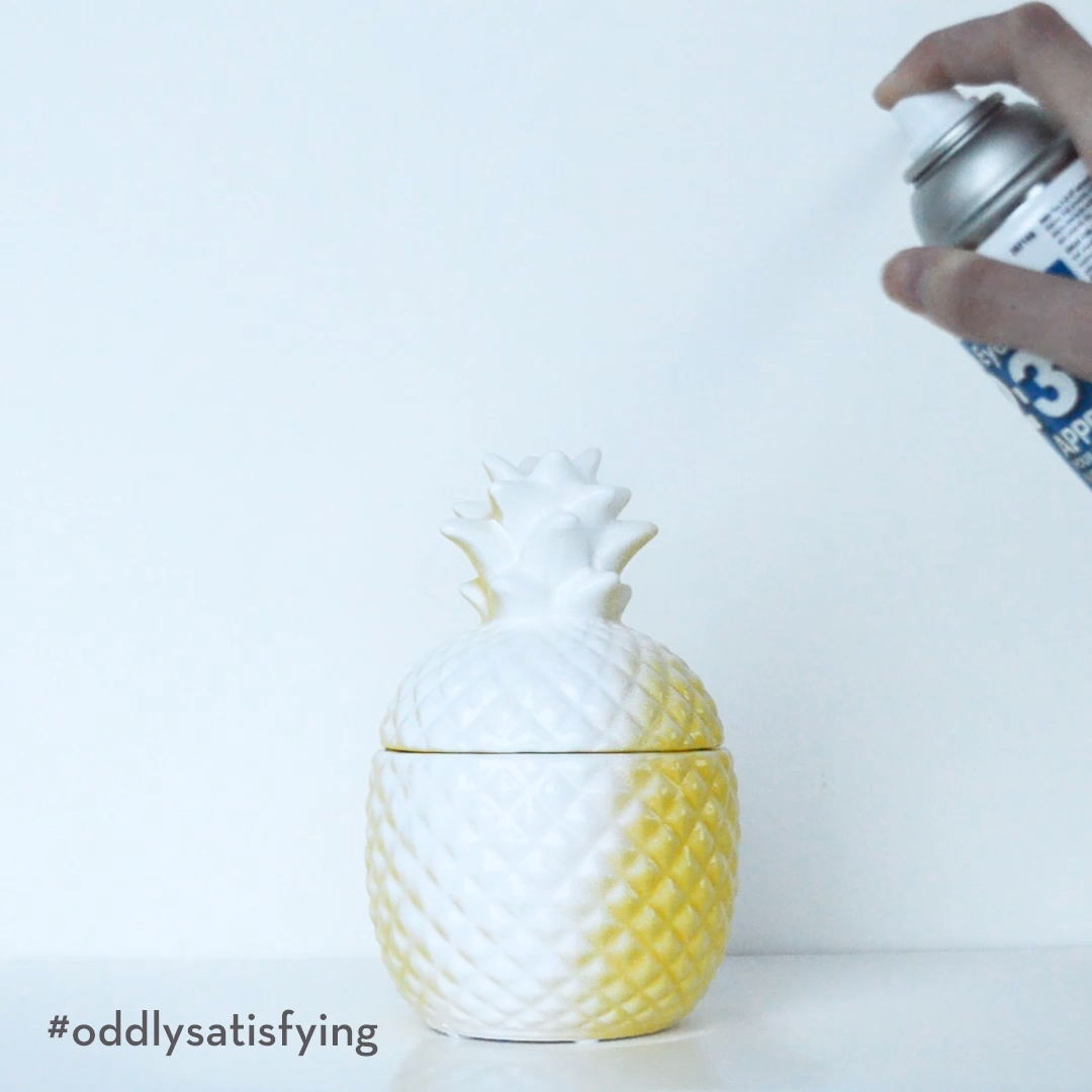 What's more #oddlysatisfying? This video, or how easily this bold colour is #PrimedForChange?  . #OddlySatisfyingVideo #NewYearNewProject #NewYearsResolutions #RustoleumCAN #Primer #Zinsser #ZinsserPrimer #DIY #DIYer #Maker #MakersMovement #DoItYourself #Upcycled #Repurposed