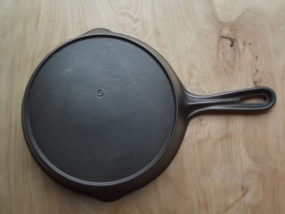 How to Identify Antique Cast Iron Skillets