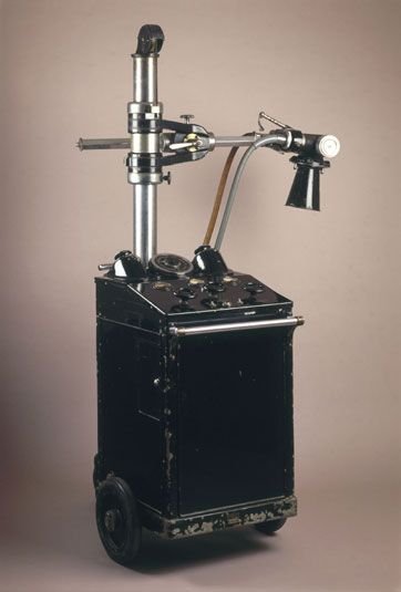 Vintage x ray machine think, that