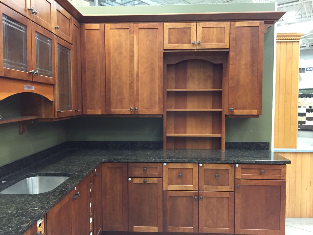I Want These Kraftmaid Shaker Cabinets But In Oak With A Toffee Finish Home Kitchens Kraftmaid Kitchens Dining Room Remodel
