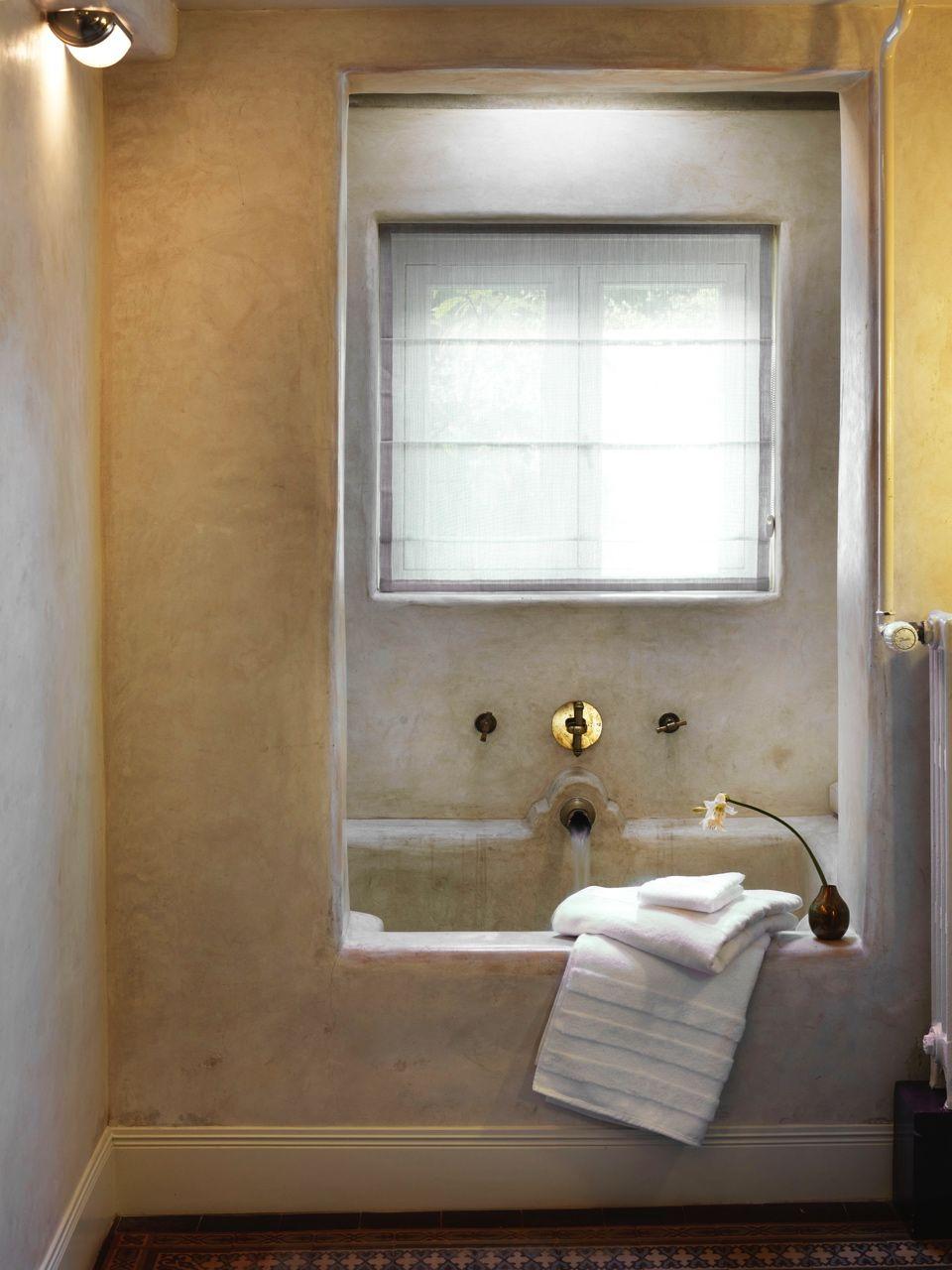 Villa Nicola | Villa Nicola Amsterdam I Photography by Frank Brandwijk I Styling Anja Koops I Garden Suite Bathroom B&B 03
