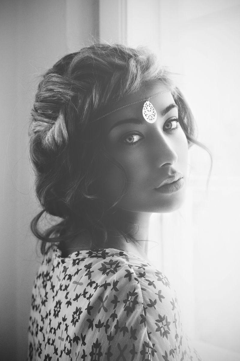 fira s/s'13 | model : lina lindholm | hair & make up : belinda stigborn | necklace : moon star, fira | © hannah lemholt photography