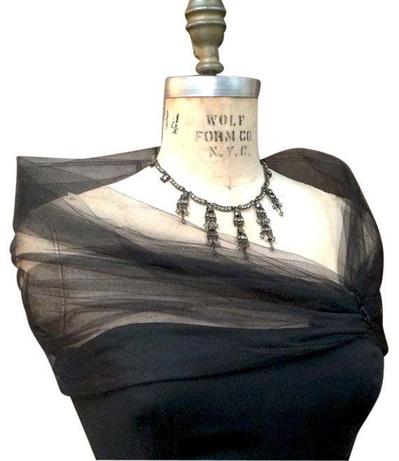 huge discount 9a869 f8251 Scrollata di spalle nero, stola di Tulle, tulle sera Wrap ...