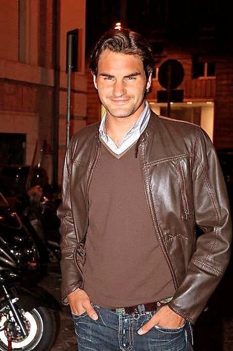 looking cool. Roger federer, Tennis players, Tennis stars