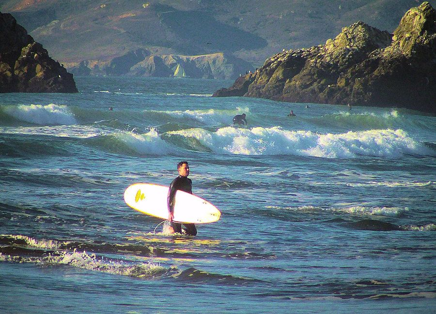 Surfers by Henry Kielarowski (me), Creative Commons license.