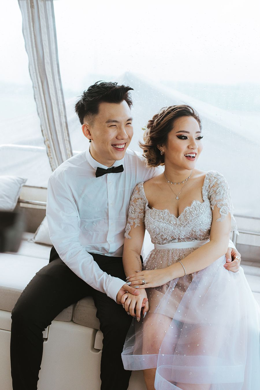 Lifestyle Influencer Naomi Neo And Han S Romantic Yacht Wedding In Singapore Yacht Wedding Wedding Yacht Outfit