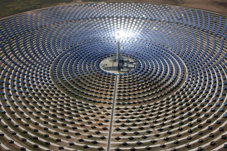 Noor Ouarzazate Solar Plant - E-Dem Wallpaper Image