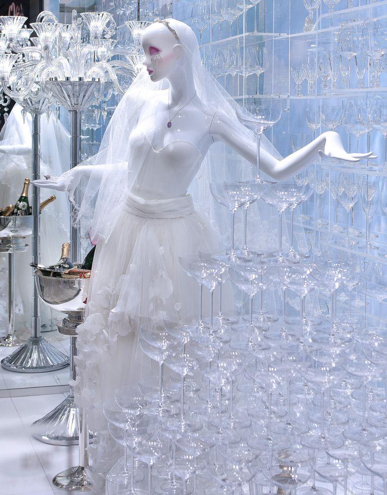 Franzen Düsseldorf wedding windows at franzen store franzen düsseldorf concept