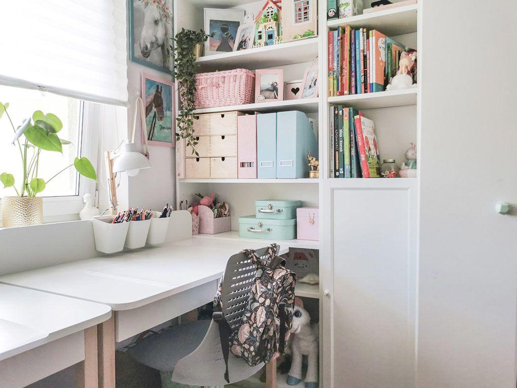 Biurko W Pokoju Dziecka Jak Urzadzic Wspolny Pokoj Dla Ucznia I Dla Przedszkolaka Simple Bedroom Design Simple Bedroom Bedroom Design