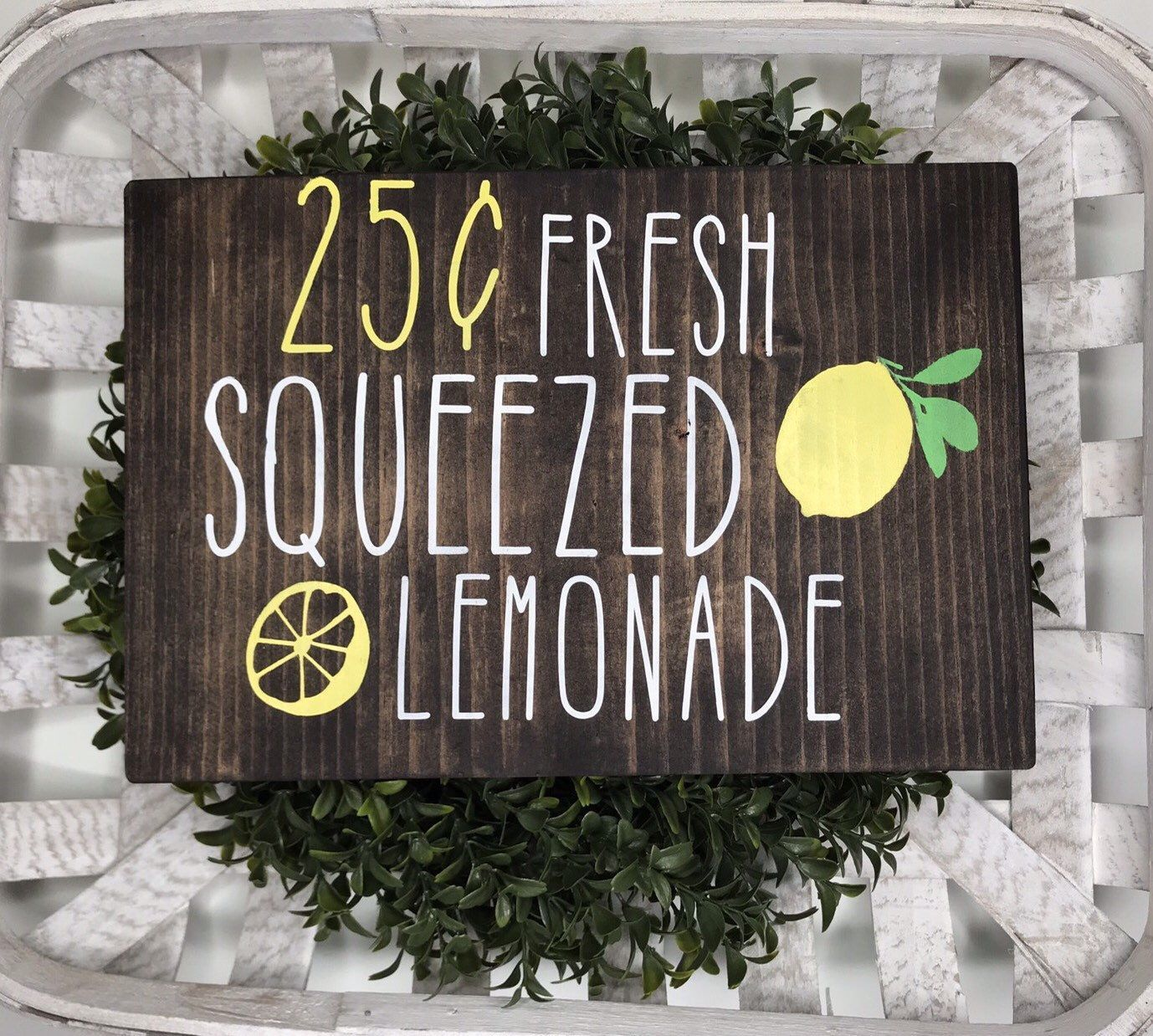 Lemon Sign/ Lemo Decor/ Fresh Squeezed Lemonade/ Kitchen Signs/ Summer Decor/ Farmhouse Style #freshsqueezedlemonade Come see what's new! Lemon Sign/ Lemo Decor/ Fresh Squeezed Lemonade/ Kitchen Signs/ Summer Decor/ Farmhouse Style #etsy #homedecor #rusticdecor #kitchendecor #lemons #woodsign #handmade #paint #freshsqueezedlemonade Lemon Sign/ Lemo Decor/ Fresh Squeezed Lemonade/ Kitchen Signs/ Summer Decor/ Farmhouse Style #freshsqueezedlemonade Come see what's new! Lemon Sign/ Lemo Decor/ #freshsqueezedlemonade